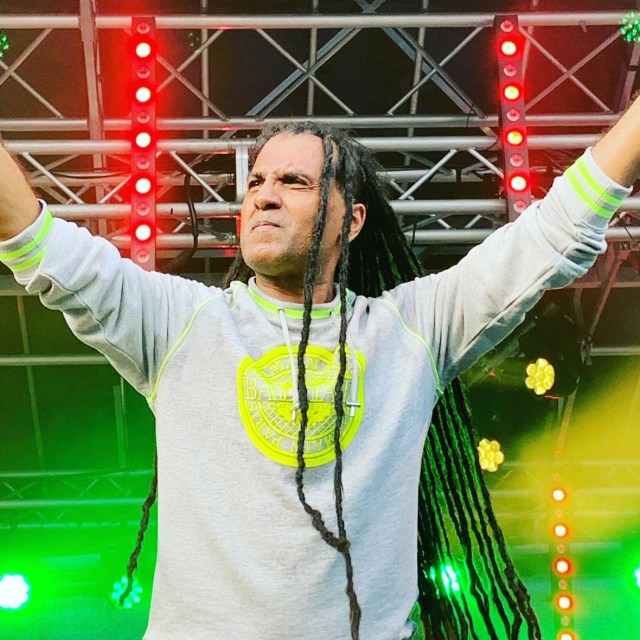 Take a 'Trip To Jamaica' with Apache Indian & Hunterz!