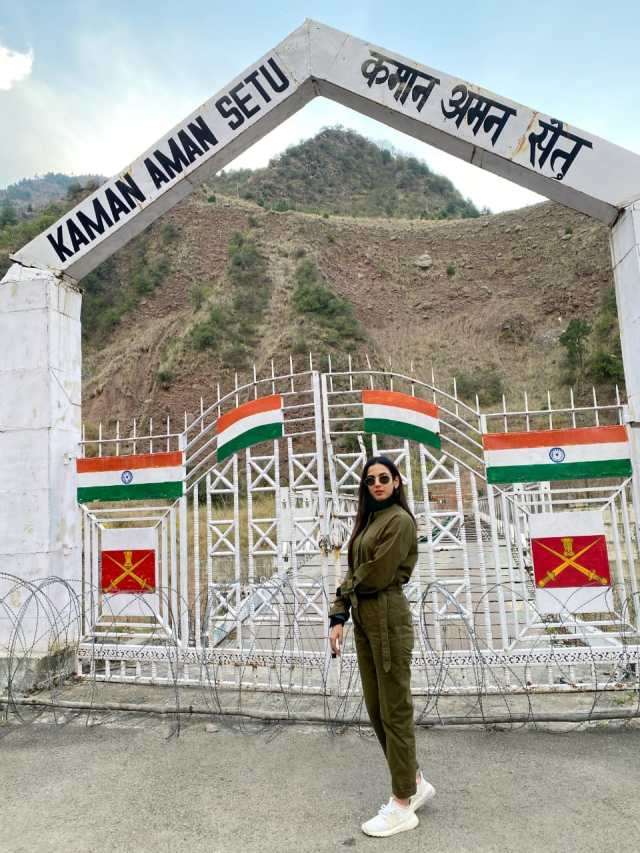 Sonal Chauhan attends Umeed Ki Seher festival in URI, organised by the Indian Army to encourage local talent