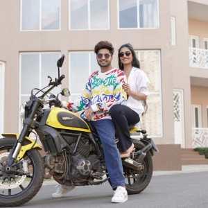 Jassie Gill & Dhanashree Verma raise temperatures in Bhushan Kumar's Oye Hoye Hoye
