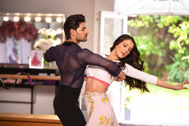 Sooraj Pancholi & Isabelle Kaif's dance moves from ''Time To Dance'' have captured everyone's attention!