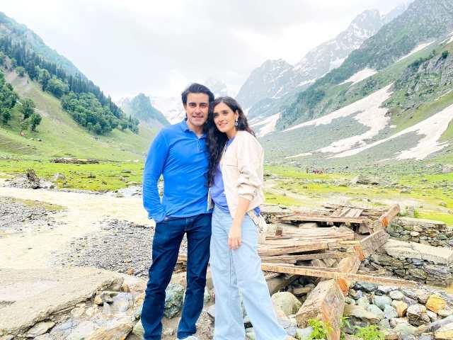 Gautam Rode and Pankhuri Awasthy create onscreen magic with Zee Music's latest single!