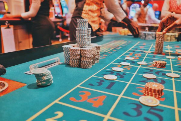 Do You Know Why Players Are Not Allowed to Play with Cash in Casino & Online Games
