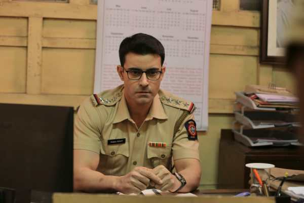 Gautam Rode nails the fierce cop look for the upcoming web series, Nakaab!