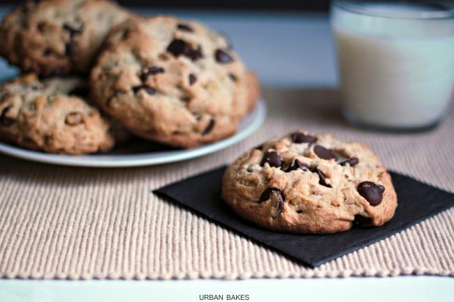 Levain Bakery Chocolate Chip Walnut Copycat Cookies | urbanbakes.com
