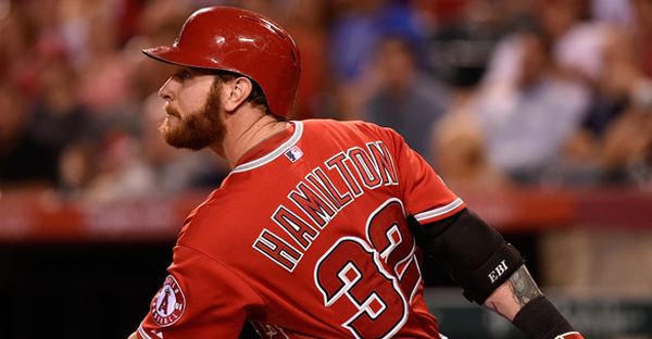 Josh Hamilton #32 of the Los Angeles Angels of Anaheim hits a single in the second inning against the Oakland Athletics at Angel Stadium of Anaheim on August 28, 2014 in Anaheim, California. (Lisa Blumenfeld/Getty Images North America)