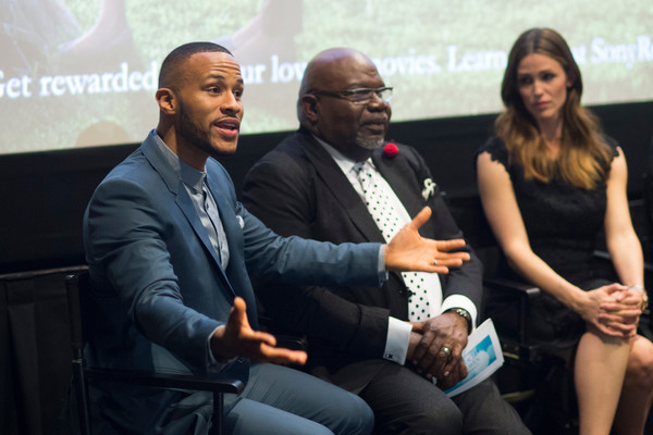 "(L-R) DeVon Franklin, Bishop T.D. Jakes and Jennifer Garner speak during a Q&A session after the premiere of ""Miracles From Heaven"" on February 21, 2016 in Dallas, Texas. (Cooper Neill/Getty Images North America)"