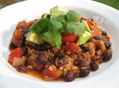 Quinoa & Red Pepper Chili | © Life Through the Kitchen Window.com