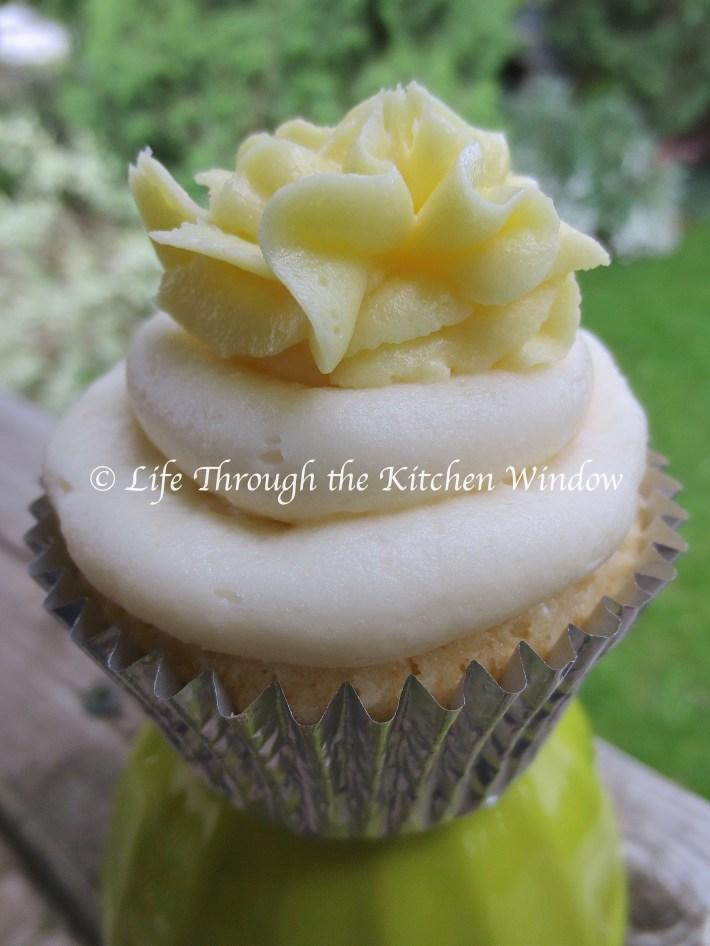 Lemon Surprise Cupcakes | © Life Through the Kitchen Window