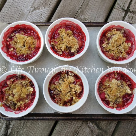 Sassy Rhubarb Strawberry Crisp with a Muesli Crumble | © UrbanCottageLife.com