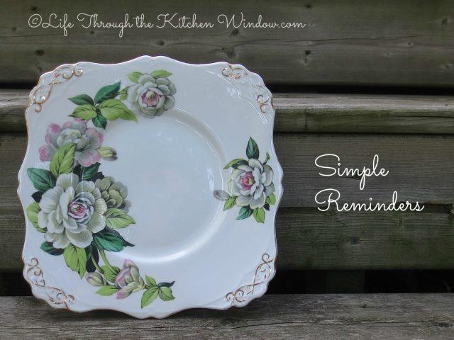 Cake Plate Memories | © Life Through the Kitchen Window.com