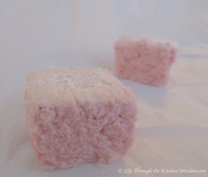 Strawberry Marshmallows | © Life Through the Kitchen Window.com