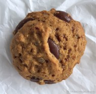 Coconut Sugar Chocolate Chip Cookies │ © UrbanCottageLife.com