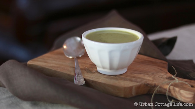 Curried Cream of Broccoli Soup | © Urban Cottage Life.com