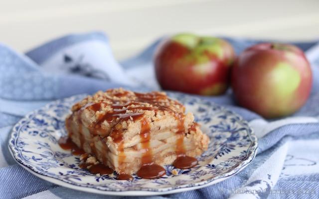 Caramel Apple Crumble Squares |© Urban Cottage Life.com