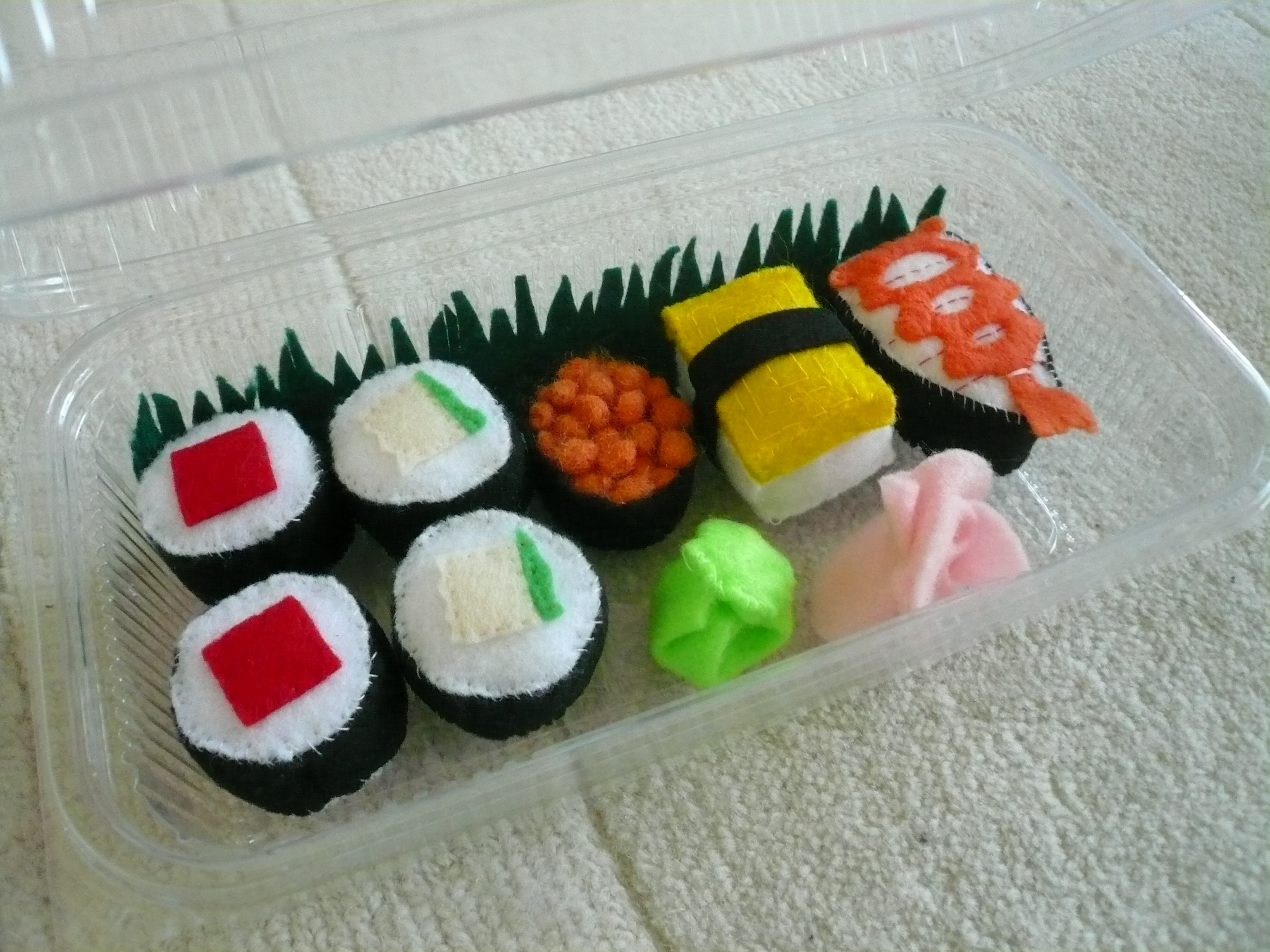 felt sushi pack