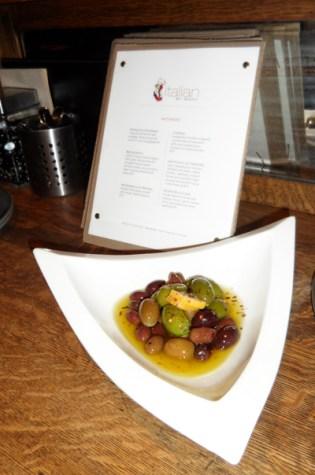 Olive della Casa (house blend olives)