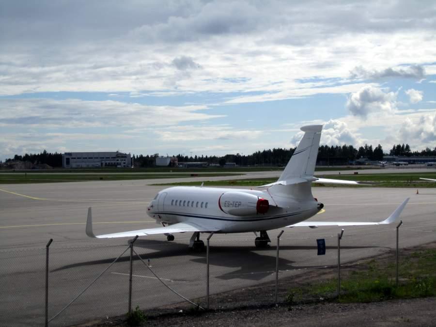 Helsinki-Vantaa lentokentän takapihalla