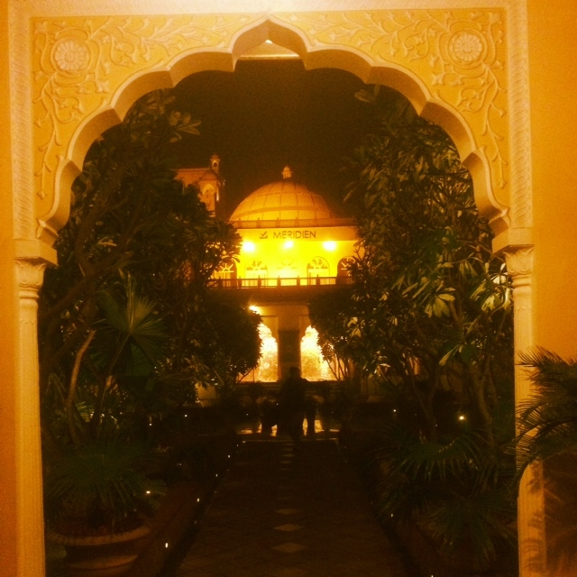 The majestic entrance of Le Meridien Jaipur
