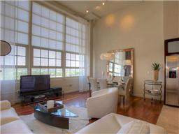 Lots of natural light in unit 2714