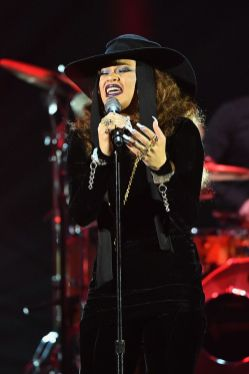 Andra Day performs_preview