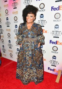 Yvette Nicole Brown 2_preview