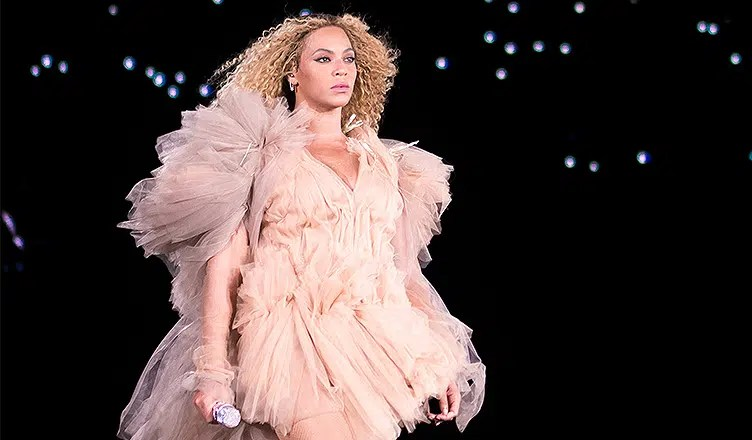 Rome Italy, 8 July 2018 , Live concert of Beyonce and Jay-Z OTRII at the Olimpico Stadium : the singer Beyonce during the concert (Credit: Deposit Photos)
