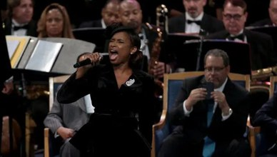 Jennifer Hudson Performs at Aretha Franklin Funeral (Credit: YouTube)