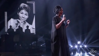 Gladys Knight performed during the Aretha Franklin Tribute on Oct. 9, 2018, at American Music Awards. (Credit: ABC)