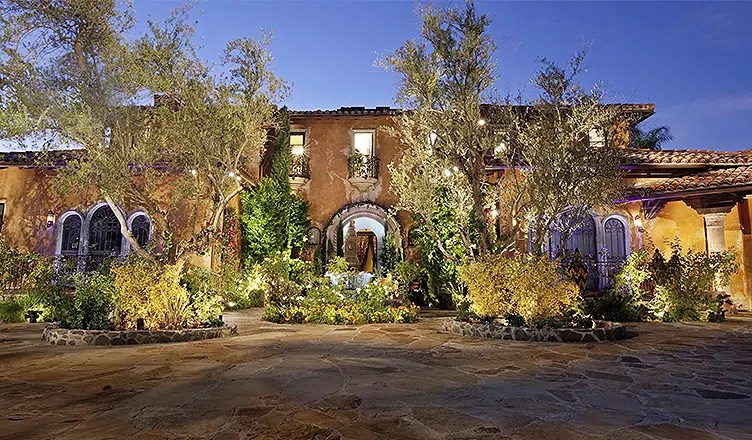 The mansion where The Bachelor is shot (Credit: Today.com)