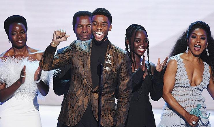 Chadwick Boseman gives a speech at the SAG Awards. (Credit: Twitter)