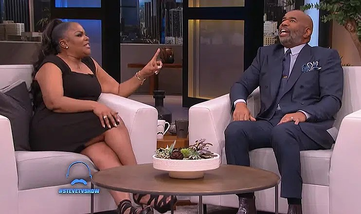Mo'Nique Sits Down With Steve Harvey (Credit: YouTube/Steve)
