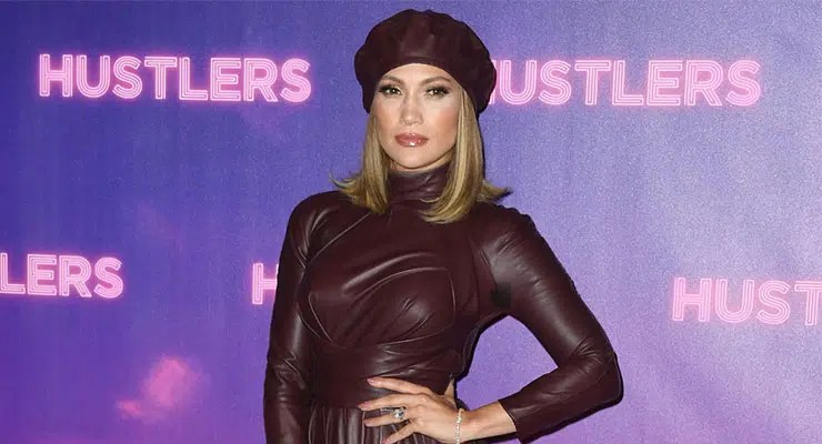 Jennifer Lopez attends Hustlers Photocall (Credit: Shutterstock)