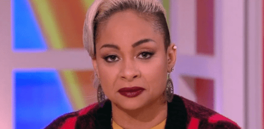 """Raven Symone Defends Michelle Obama """"Planet of the Apes"""" Comparison, But Rosie Wasn't Having It (Video)"""