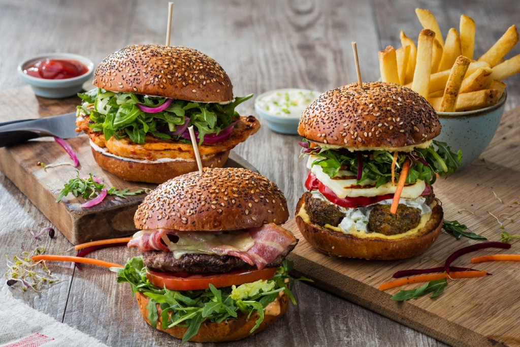 Giraffe serve the usual favourites. Shown here is a the Smokey Joe: Beef patty, smoked streaky bacon, smoked cheddar, mixed leaves and tomato with their special burger sauce