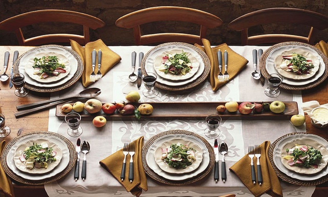 Set Up Your Dinning Table Like A Pro
