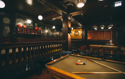 bars with games chicago