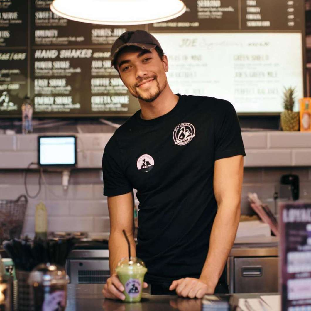 A Juice Bar That Only Hires Attractive Guys Opens Tomorrow
