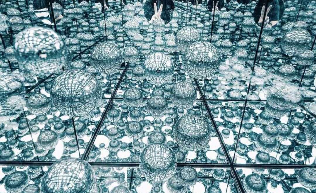 Infinity Mirror Room Delayed