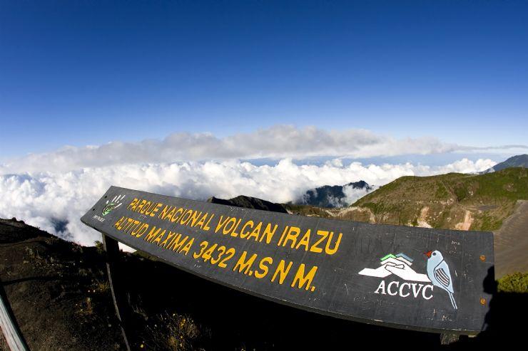 full-irazu-volcano-national-park.jpg