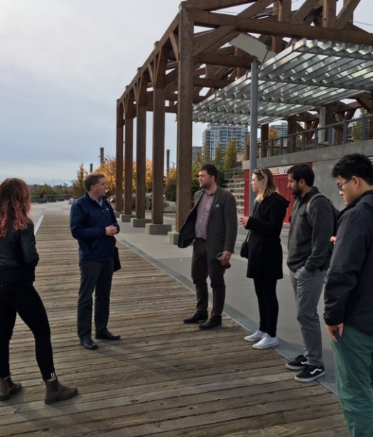 urbs-mayor-cote-on-boardwalk-2