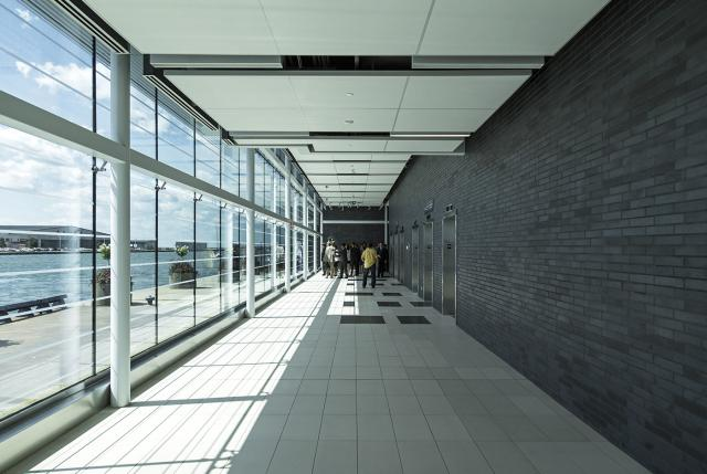 Billy Bishop Toronto City Airport Pedestrian Tunnel, Ports Toronto