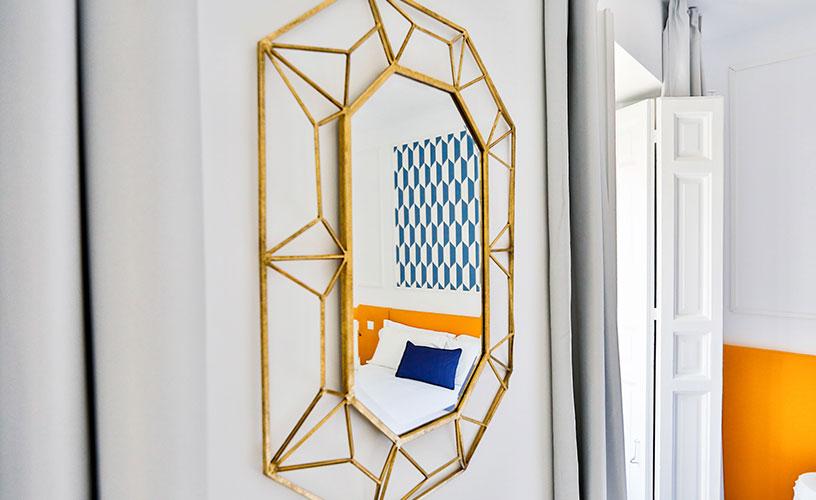 ¡Este apartamento de lujo tiene algo que enamora! Está recién reformado y completamente amueblado para 4 personas con muebles de diseño elegantes y cómodos, inspirados en el arte mediterráneo y marroquí.