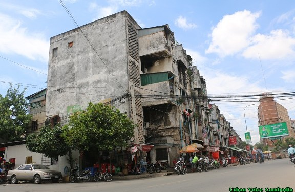 Historic White Building and the facing problems in the present