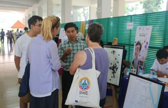 សមាគមធាងត្នោតបានចូលរួមព្រឹត្តិការណ៍តាំងពិពណ៍ Barcamp ផ្សព្វផ្សាយអំពី Urban Voice Cambodia
