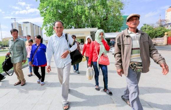 Hun Sen asked to stop military land seizure