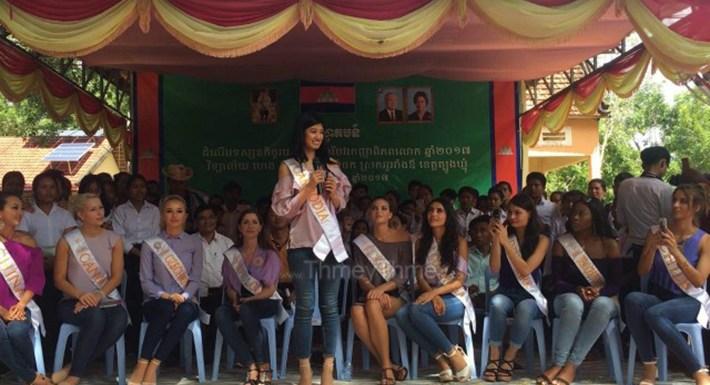 បេក្ខភាព Miss Global 2017 បង្ហាញពីគំរូយកចិត្តទុកដាក់លើការគ្រប់គ្រងសំរាម