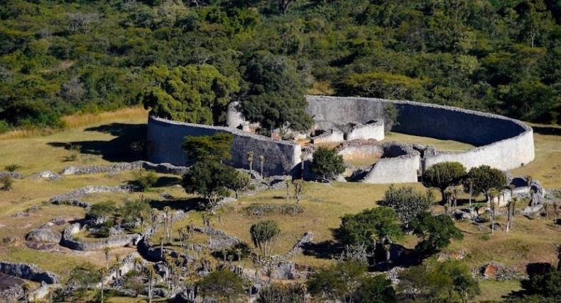 ancient african ruins great zimbabwe