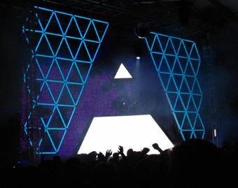 Coachella 2006 Daft Punk pyramid.jpg