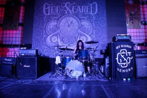 urbeat-galerias-gdl-c3-stage-Get-Scared-31ene2016-19