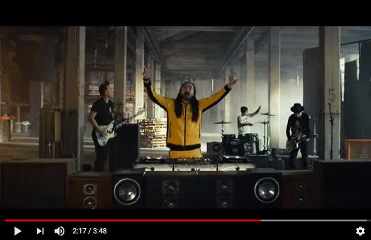 Steve Aoki feat. Blink 182